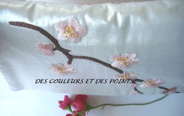 pochette cerisier details broderie 4