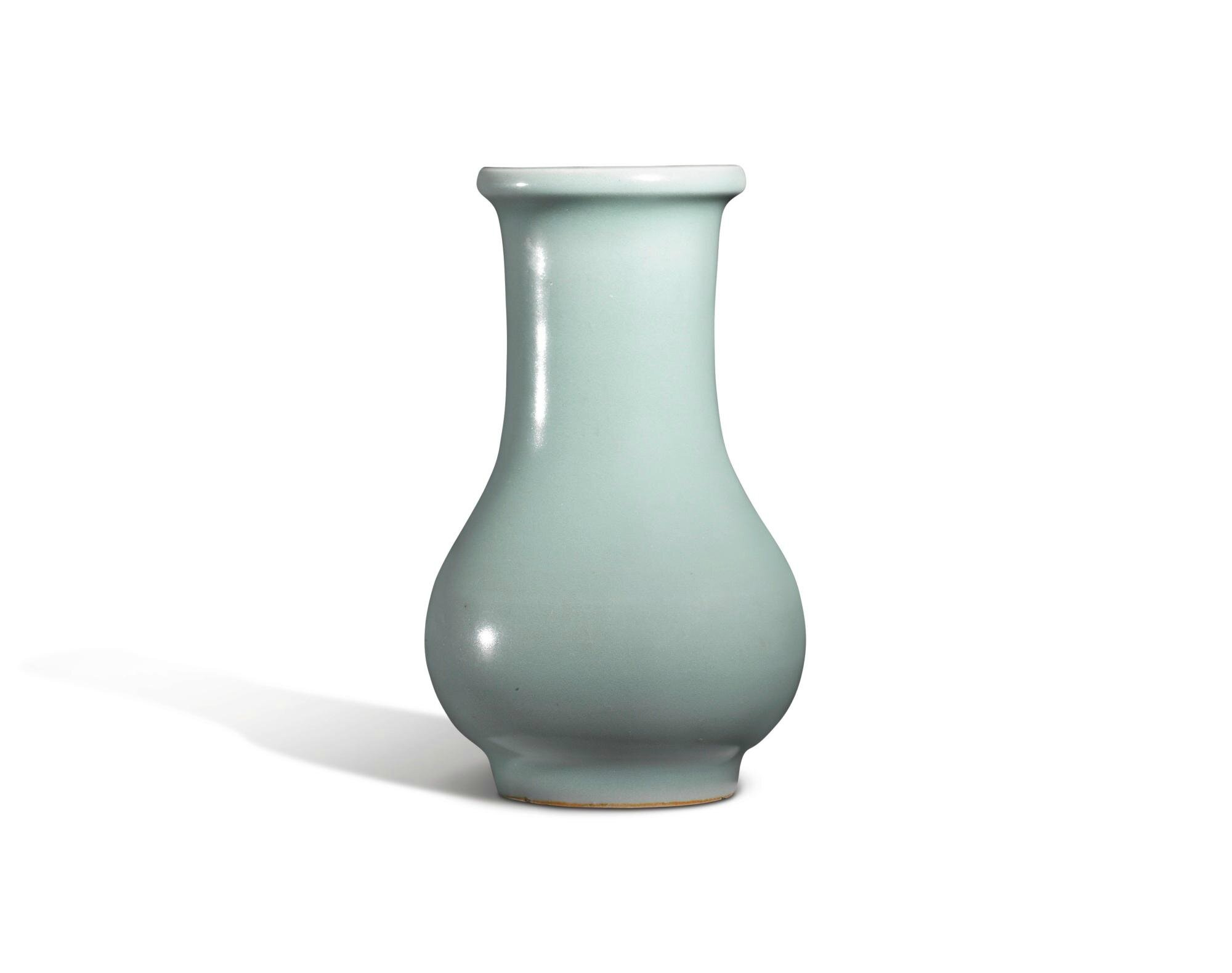 A 'Longquan' celadon vase, Southern Song Dynasty
