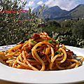 Spaghettis au poulpe et sauce tomate- les recettes de enzo