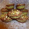 Bouchées chocolatées noix de coco et pistaches