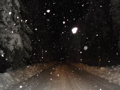 2008 12 18 La neige qui tombe sur la route