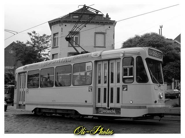 9079. Cette série de tram vient de la modernisation des