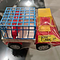 00848 camion transport cage marque feral