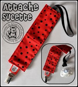attache sucette rouge pois noir