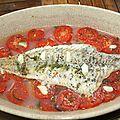 Filet de lieu (colin) sur lit de tomates et oignon rouge