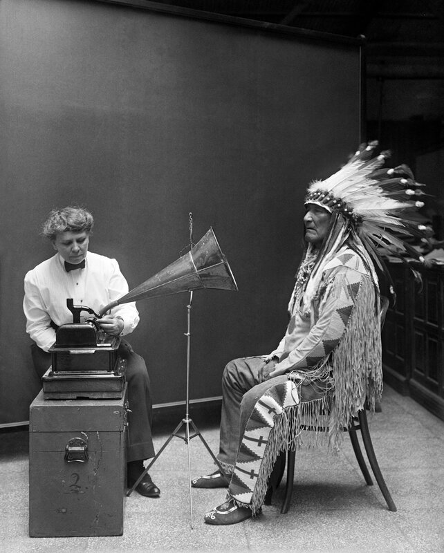 Frances_Densmore_recording_Mountain_Chief2_o_905