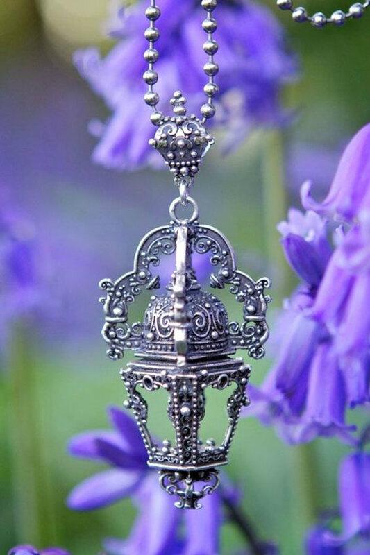 Les bijoux magiques