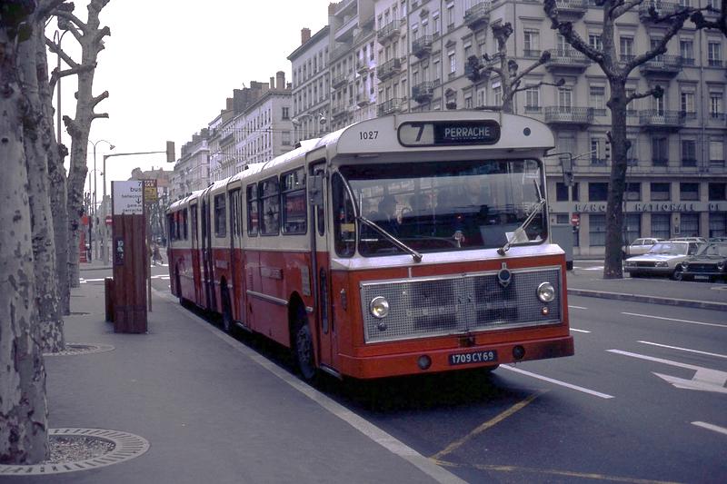 50 ans de bus articul s en france transporturbain le webmagazine des transports urbains. Black Bedroom Furniture Sets. Home Design Ideas