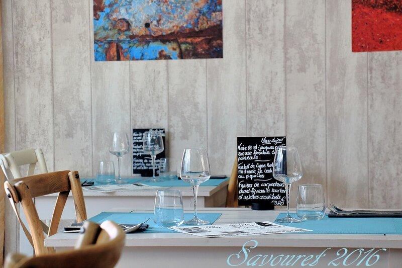 Salle_bleue_3__table_