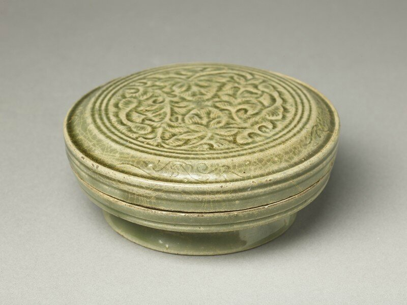 Greenware circular box and lid with floral design, Yue kiln-sites, 10th century, Five Dynasties Period (AD 907 - 960)