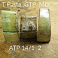 Quelques échantillons de divers mélanges de restes (essais, fin de pots)