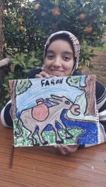 Farah présente son dessin