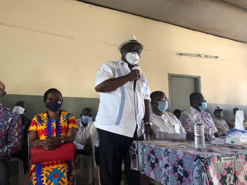 """Le vice-Gnagne Yadou Maurice: """" le Président attend son passeport pour rentrer en Côte d'Ivoire."""""""