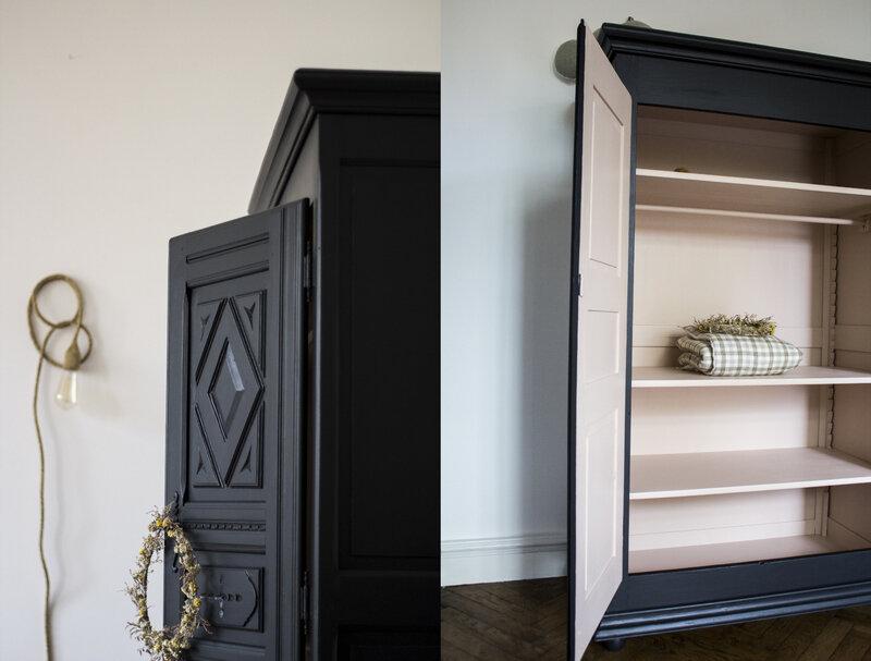 armoire ancienne noire et saumon chambre bébé TRENDY LITTLE