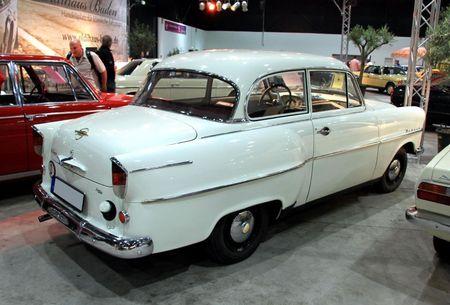 Opel olympia rekord de 1957 (RegioMotoClassica 2010) 02