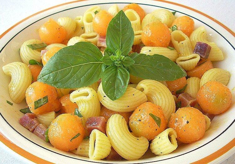 pates-fraicheur-au-melon-jambon-de-parme-et-basilic