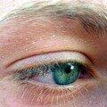 Grands yeux bleu azur...