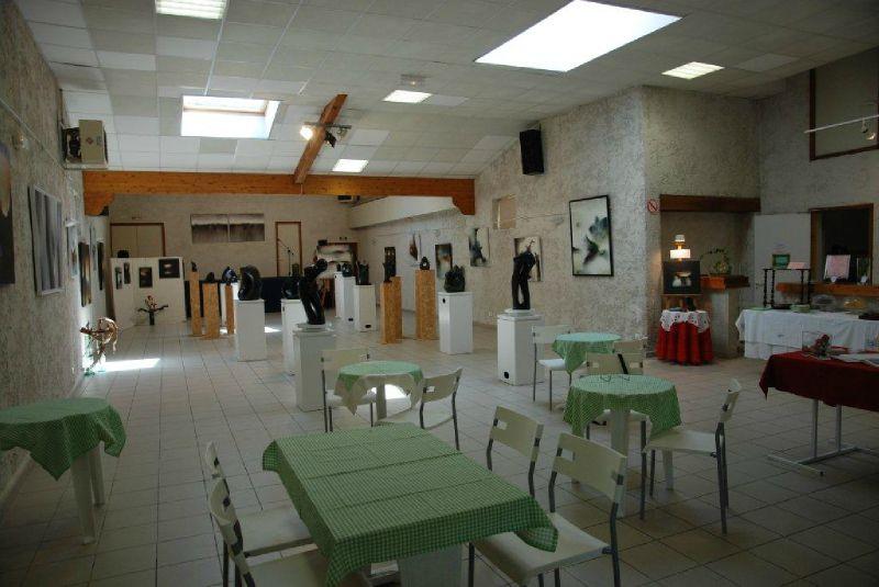 vue de l'expo avec le salon de thé