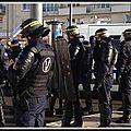 Calais: un crs blessé lors de heurts