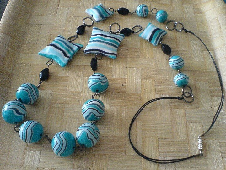 collier turquoise rayé