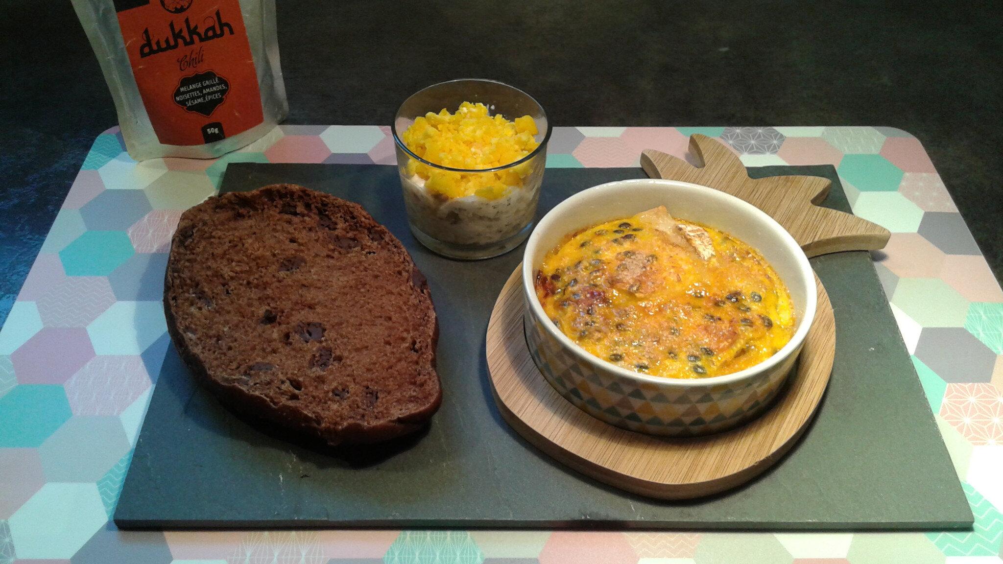 Fromage de chèvre comme une crème brûlée au fruit de la passion, choco'pain et verrine mimosa (sans mayonnaise)