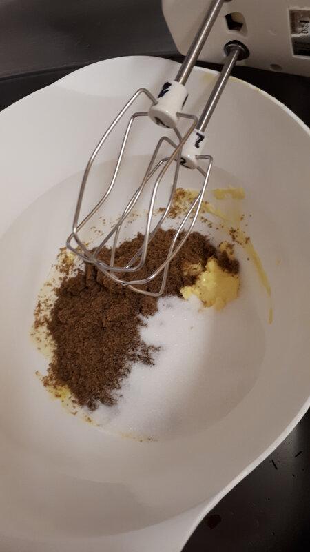 Cupcakes au chocolat, coulis de caramel au poivre du Sichuan 040