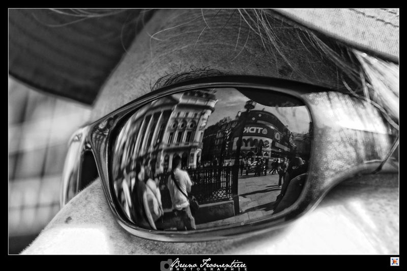Picadilly_reflection