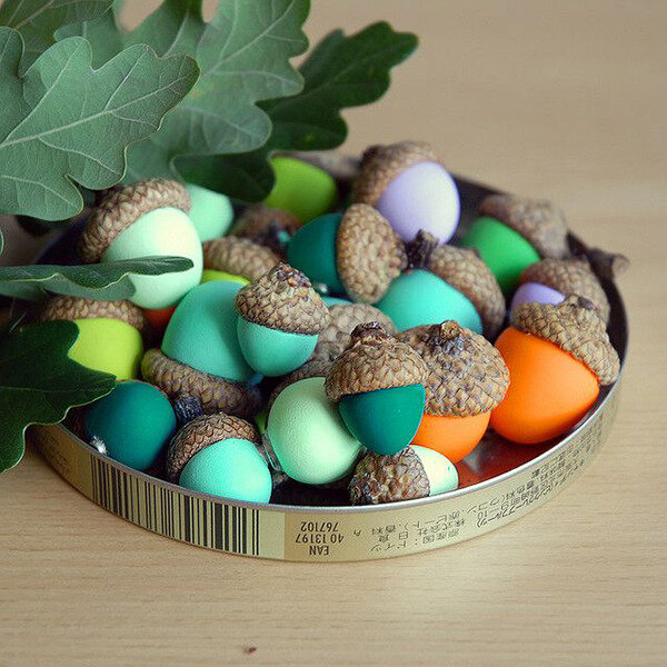 Clay-Acorn-Magnets-10-Adorable-Autumnal-DIY-Projects-For-Your-Home