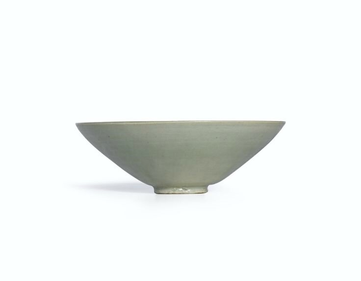 A celadon bowl, Five dynasties-Song dynasty