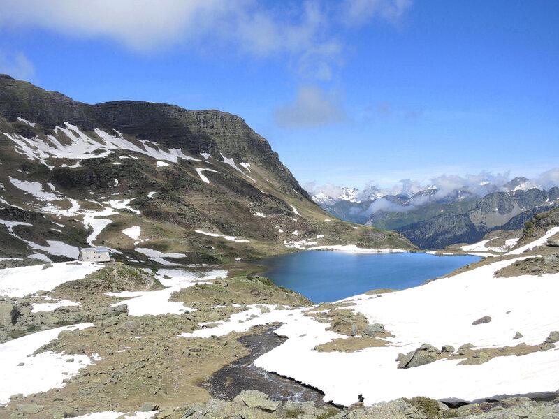 Lacs d'Ayous, descente vers lac Gentau (64)