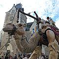 Le chameau sur la place de la mairie