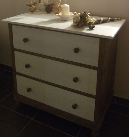 COMMODE RELOOKEE (5)