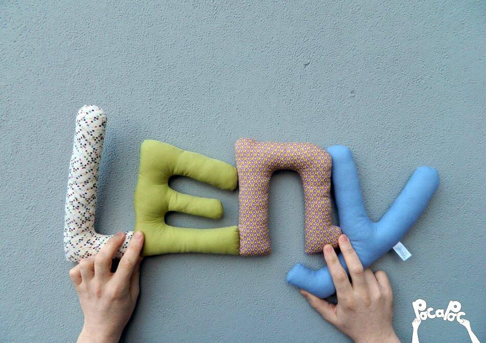 léon,mot en tissu,mot decoratif,cadeau de naissance,decoration chambre d'enfant,cadeau personnalise,cadeau original,poc a poc leny blog