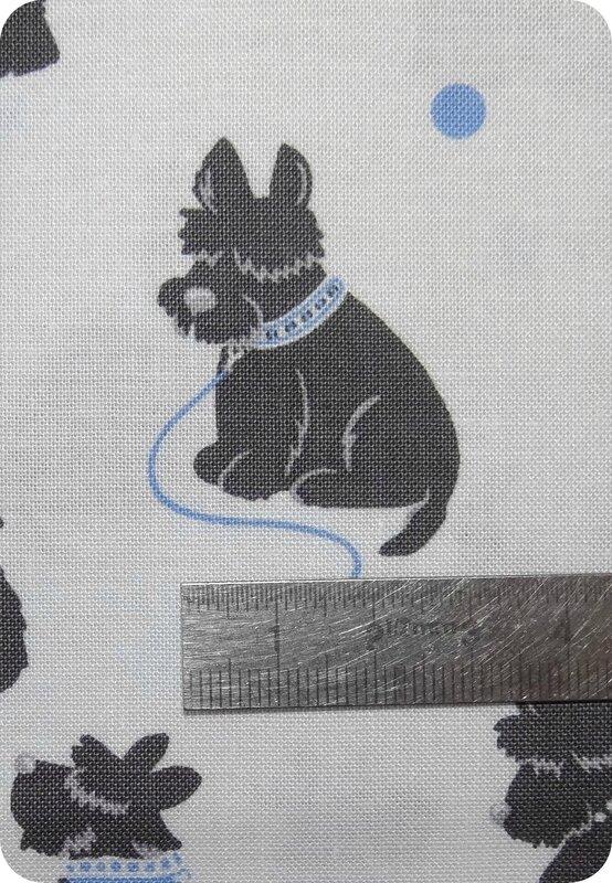 tissu chien bleu et blanc