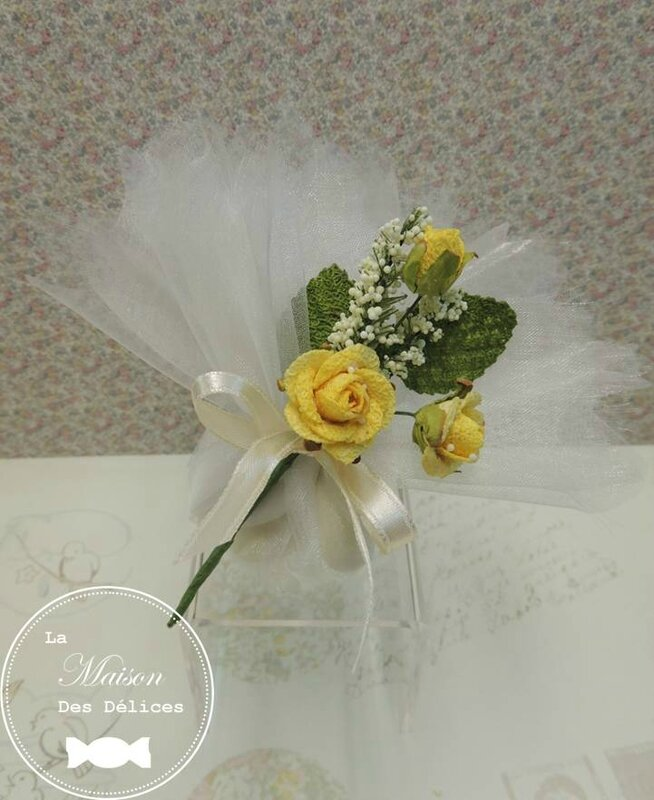 piquet fleur rose jaune decoration tulle pochon ballotin dragees mariage bapteme accessoire sujet deco