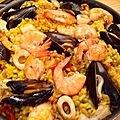 Paella poisson et fruits de mer