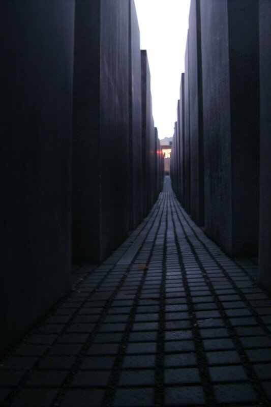 Holocaust Denkmal by night