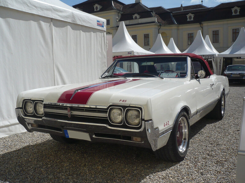 OLDSMOBILE F-85 Cutlass 2door convertible 1966 Ludwigsburg (1)