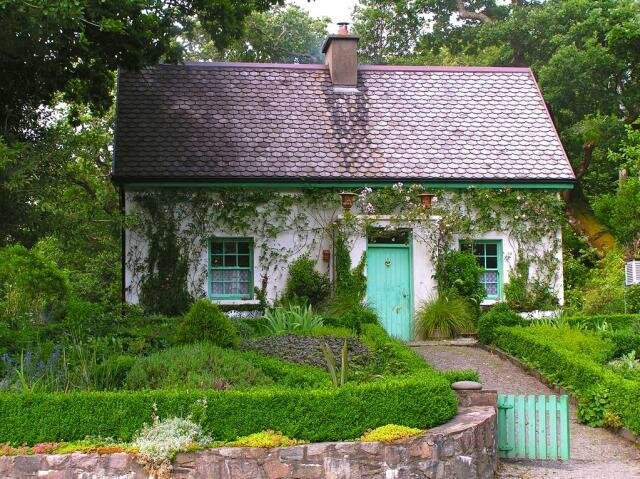 640_irish-cottage-garden