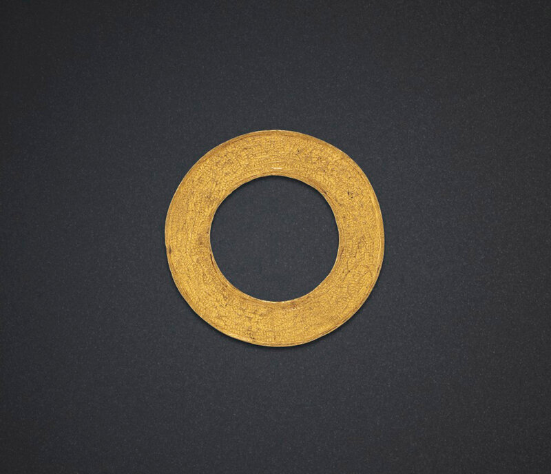 2019_NYR_18338_0518_000(a_circular_gold_ornament_warring_states_period)