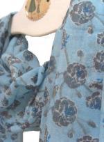 echarpe-laine-fleur-bleue-a