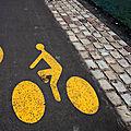 vélo jaune quai de seine_2252