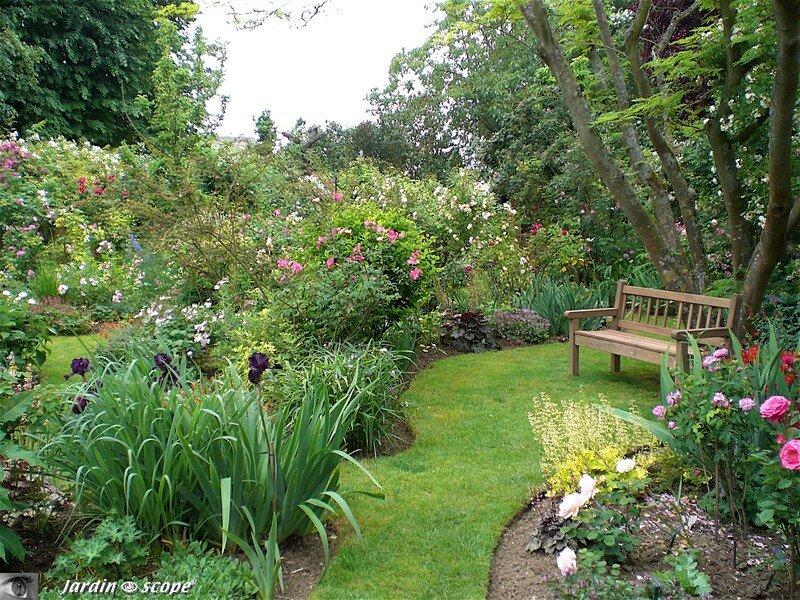 Dans le Jardin privé d'André Eve à Pithiviers (45)