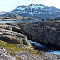 Le groenland - les lacs immenses et les montagnes enneigées