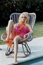 Wicker_sitting_inspiration-brigitte_bardot-1967-by_jc_sauer-2