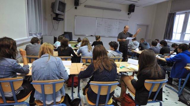 la-reforme-du-college-divise-suscite-de-l-opposition-chez-les-enseignants-mais-aussi-chez-des-personnalites-politiques-et-des-intellectuels_5340807[1]