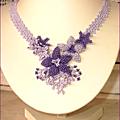 Notre nouveau challenge : collier de fleurs tissees
