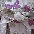 Ciré AGLAE en lin enduit brut orné de papillons prune (4)