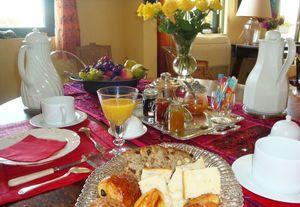 petit déjeuner roses jaunes 2