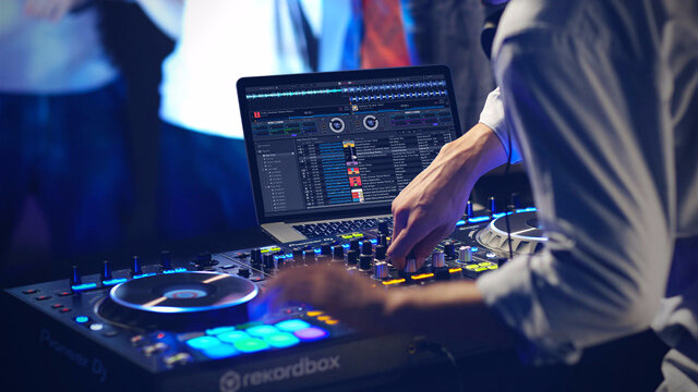 rekordbox-4-dj-performance